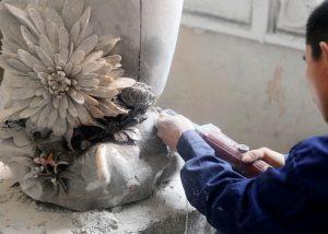 知易行难 用心传承的菊花石雕技艺